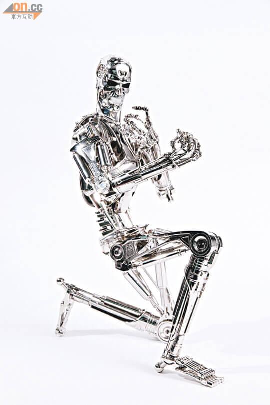 hot-toys-T-800-Sixth-Scale-Endoskeleton-