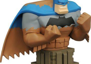Diamond Select SDCC 2016 Exclusives - Batman Muddy Dark Knight bust