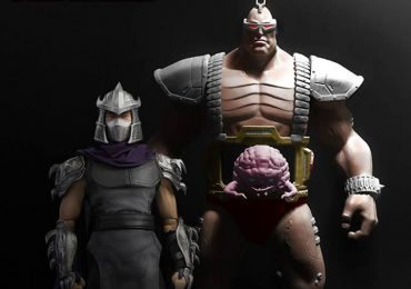 DreamEX Krang action figure, standing next to Shredder