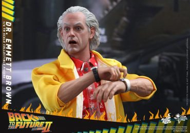 Sixth Scale Hot Toys Back to the Future 2 action figures - Doc Brown