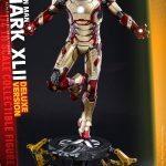 Hot Toys quarter scale battle damaged Iron Man 3 action figure, Mark XLII armor, exclusive