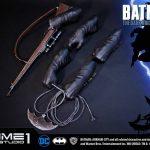 The Dark Knight Batman statue from Prime 1 Studios, accessories