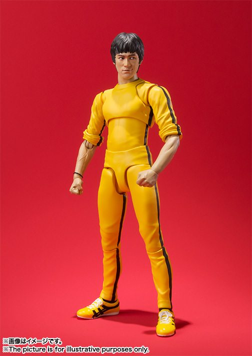 SH Figuarts Yellow Track Suit Game of Death Bruce Lee action figure, standing