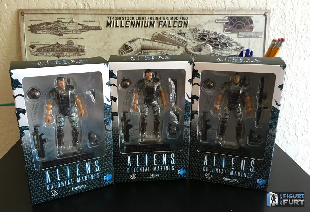 Hiya Toys Aliens Colonial Marines action figures, group front of the boxes