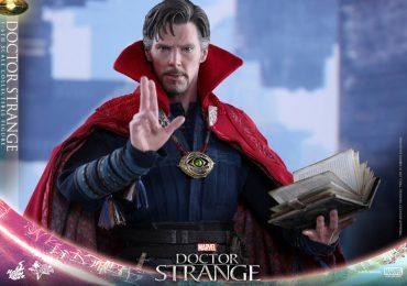Hot Toys Doctor Strange action figure, spell book