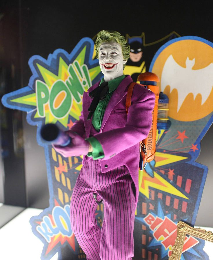 Hot Toys Classic Joker Action Figure