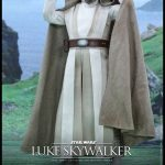 Hot Toys Sixth Scale Star Wars: The Force Awakens Luke Skywalker action figure, full figure